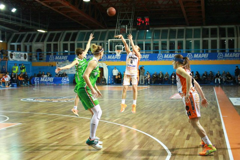 basket-femminile-martina-fassina-saces-napoli-fb-dike-basket-napoli-ssd-800x533